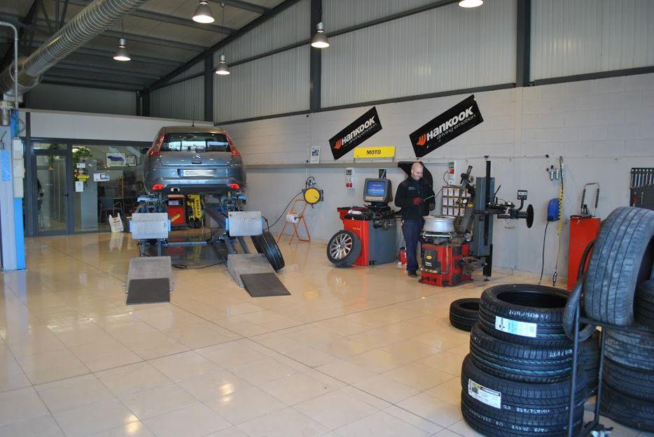 Cambio de neumáticos en Alcarràs, Lleida
