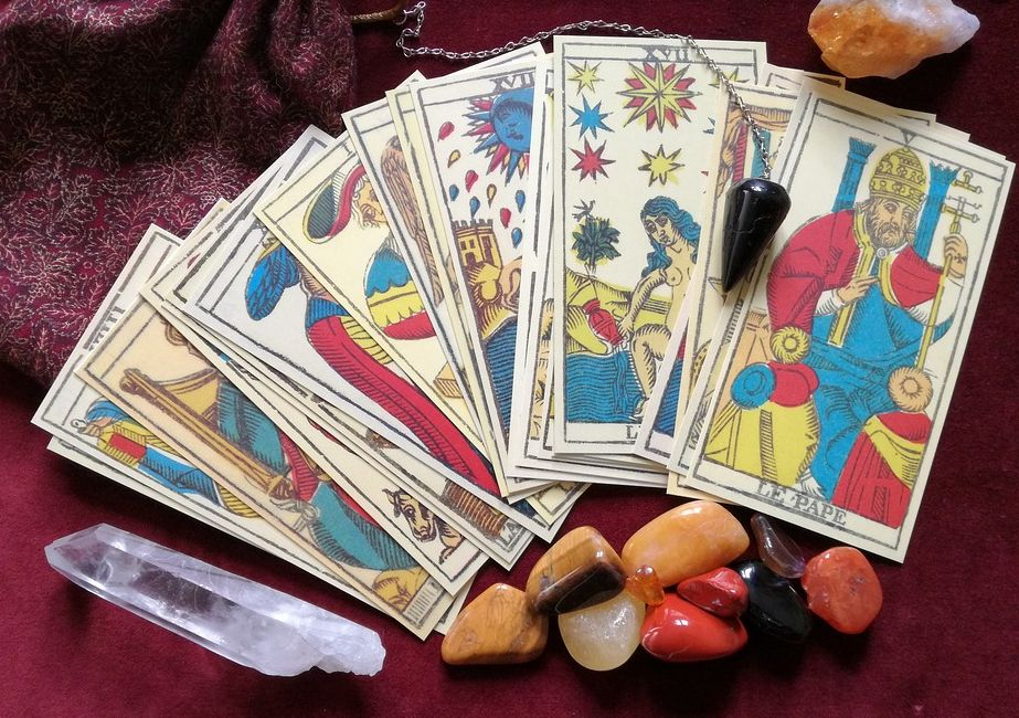 Tarot por medio del espiritismo: Catálogo de Ilé Elegguas