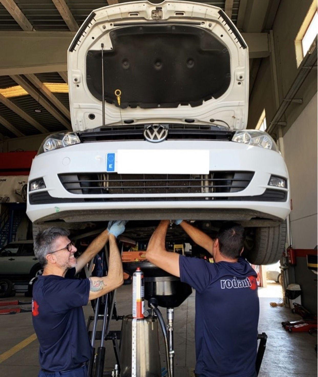 Foto 15 de Reparaciones vehículos, motos y camiones en  | Pneumàtics Rodauto de l'Empordà