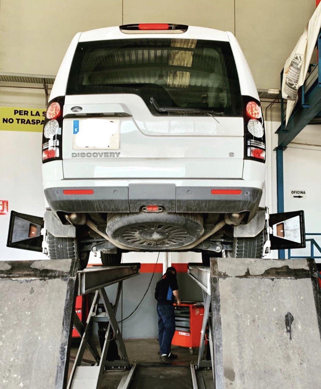 Foto 16 de Reparaciones vehículos, motos y camiones en  | Pneumàtics Rodauto de l'Empordà