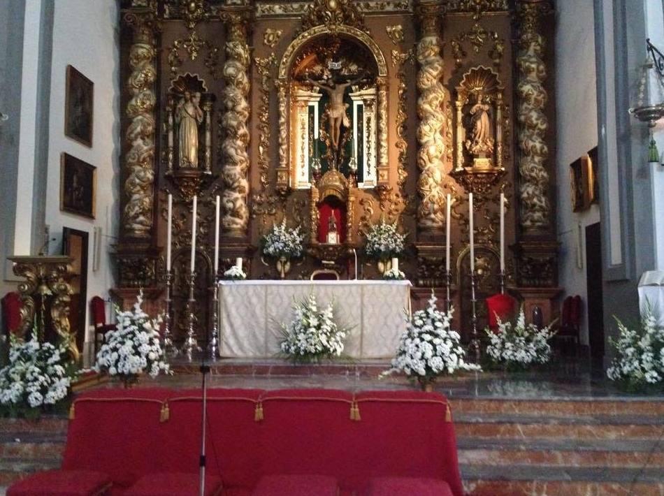 Decoración de tronos: Decoración y flores de Floristería Miguel