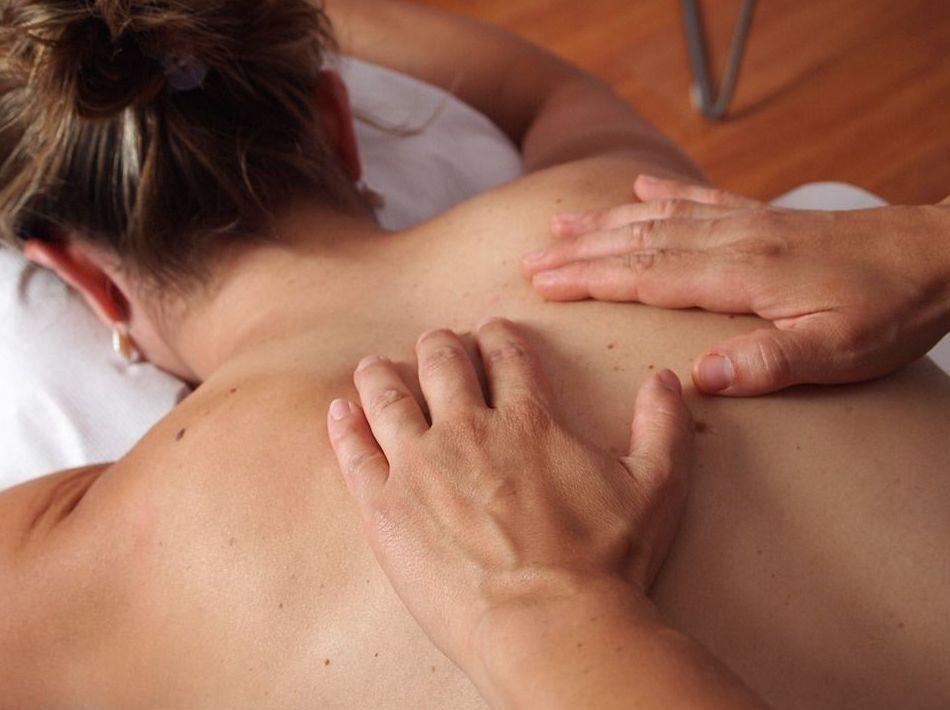 Masajes: Tratamientos y Cursos de Bodynatura