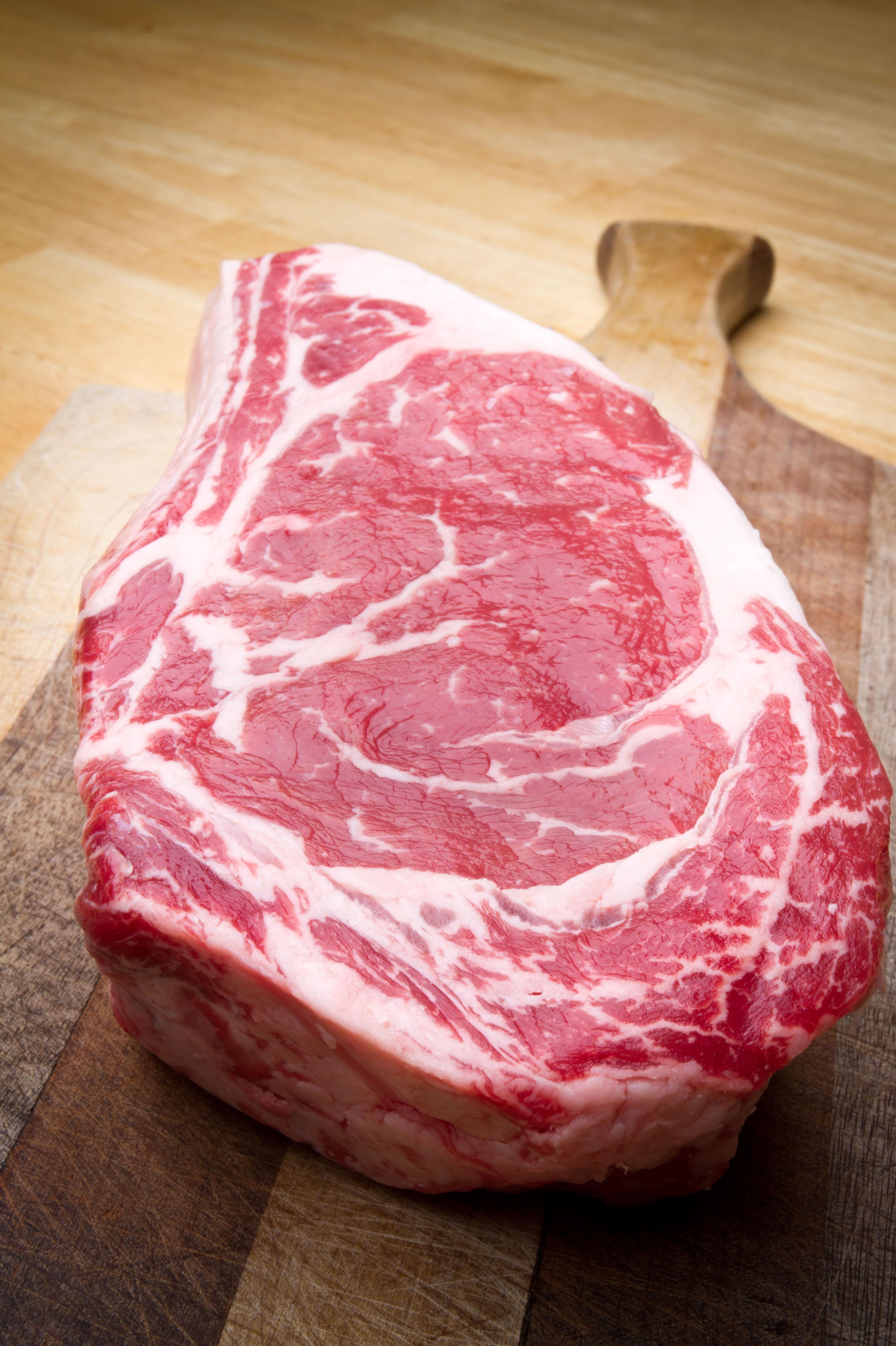 Excelentes carnes de buey en el restaurante A Cañiza, Villaverde