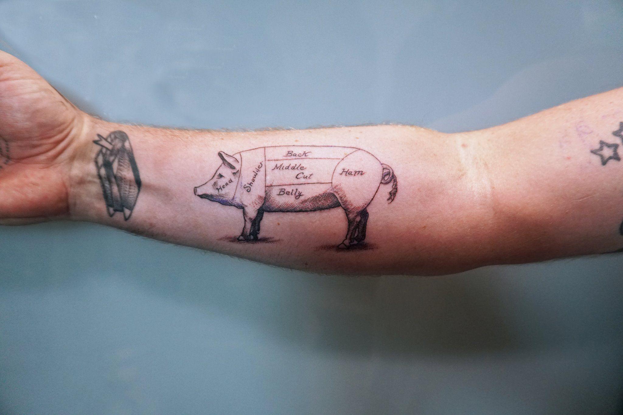 Foto 9 de Tatuajes y galería de arte en  | Soulpeckers Tattoo & Gallery