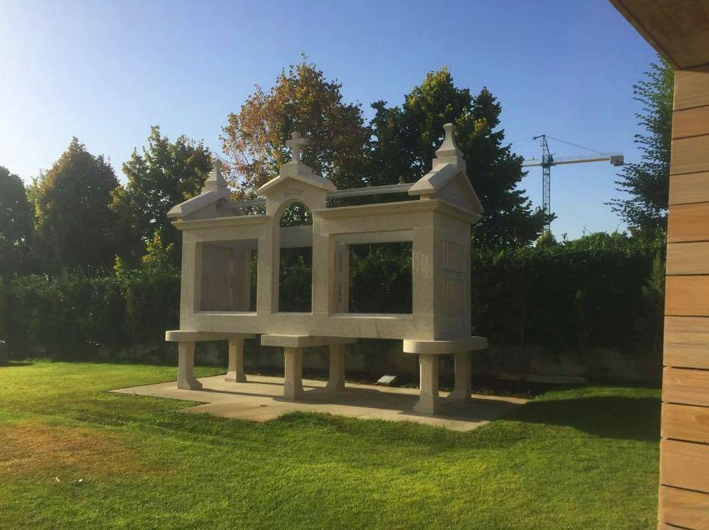 Estructura hórreo en piedra