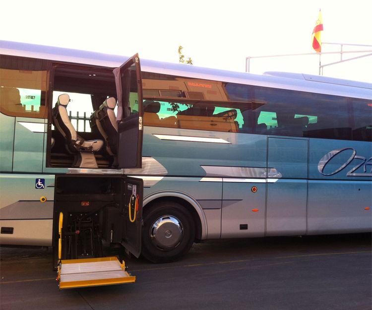 Autocar de 55 plazas con rampa