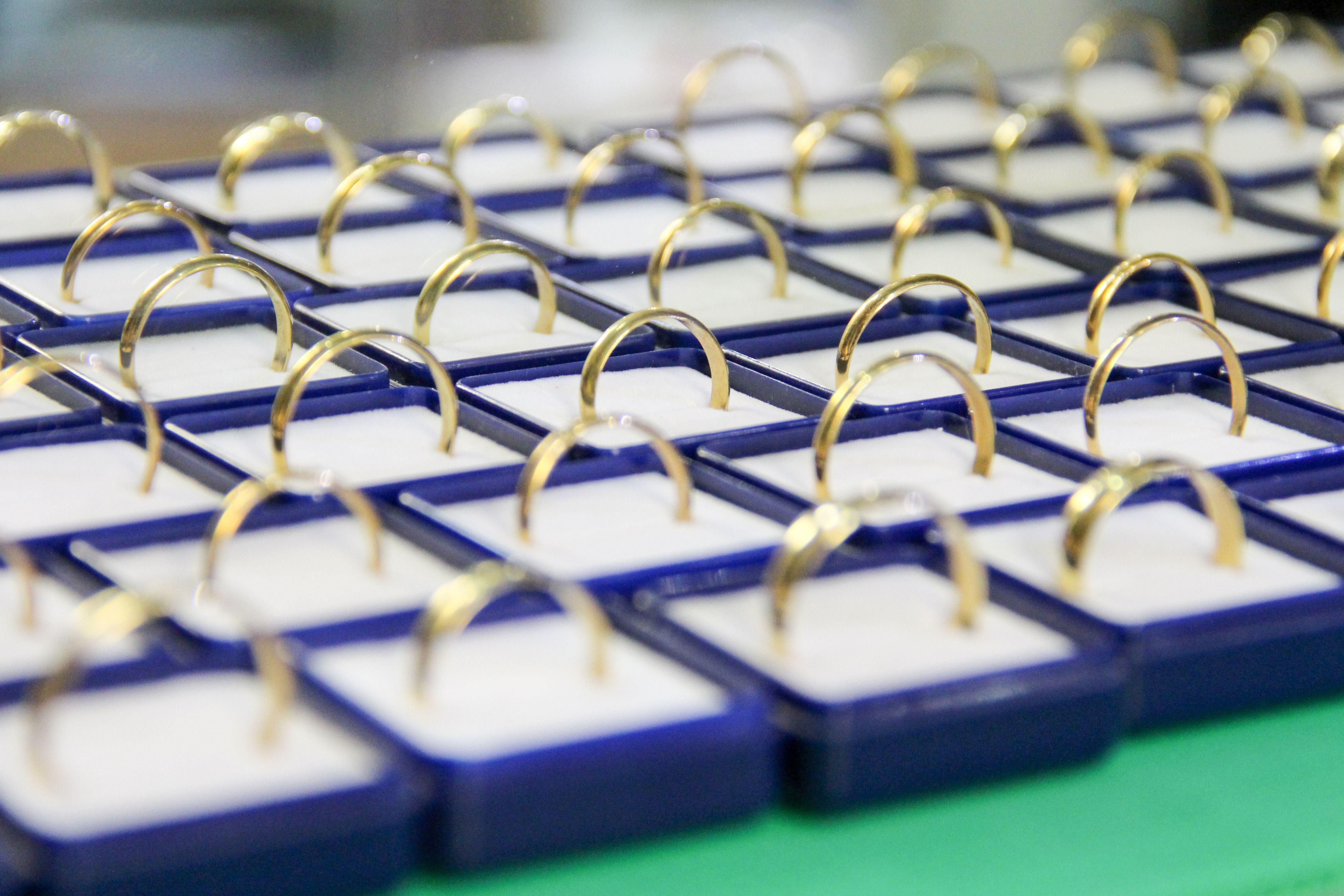 Anillos de oro de primera calidad