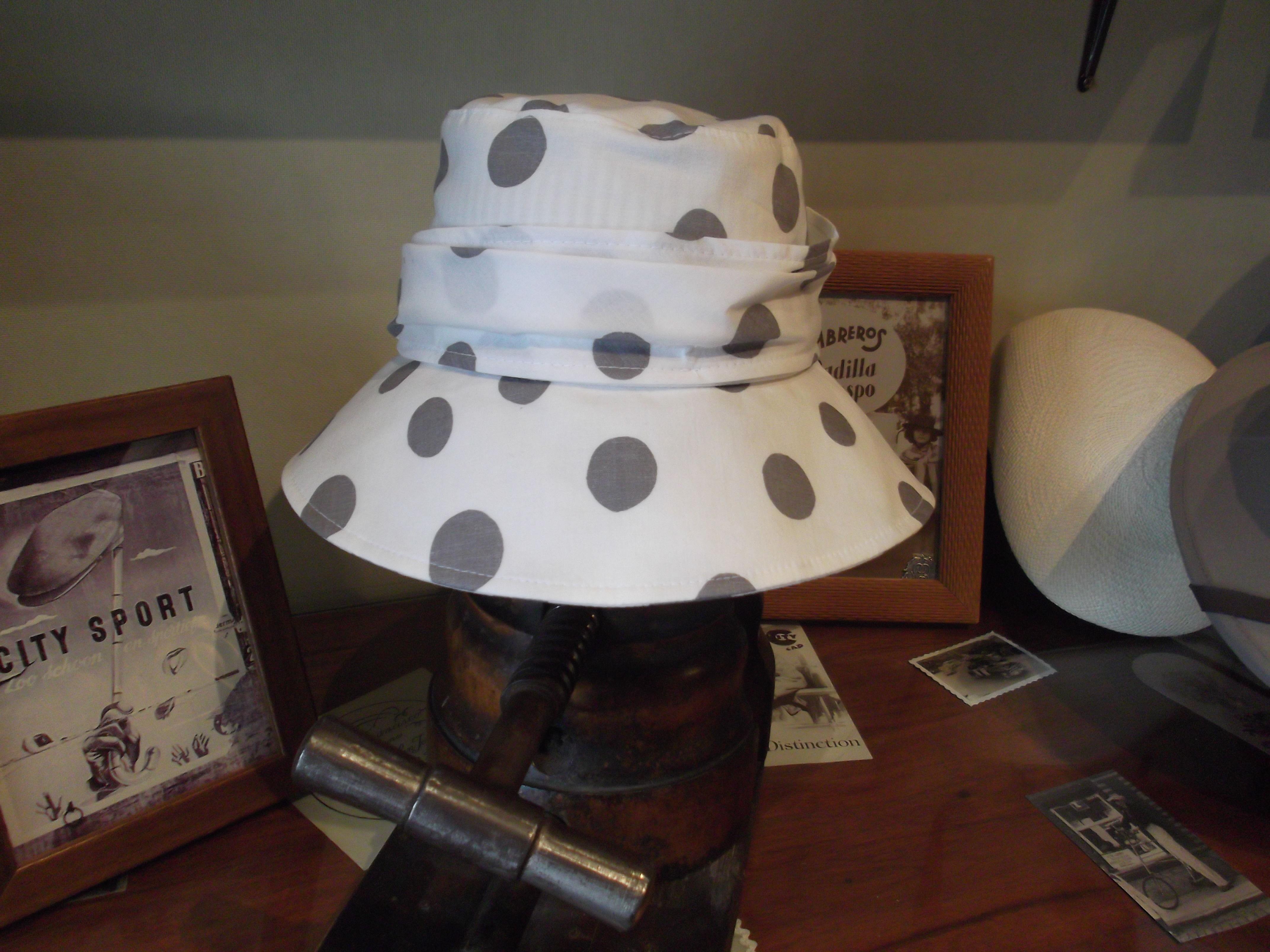 SOMBRERO LUNARES: Catálogo de Sombrerería Citysport
