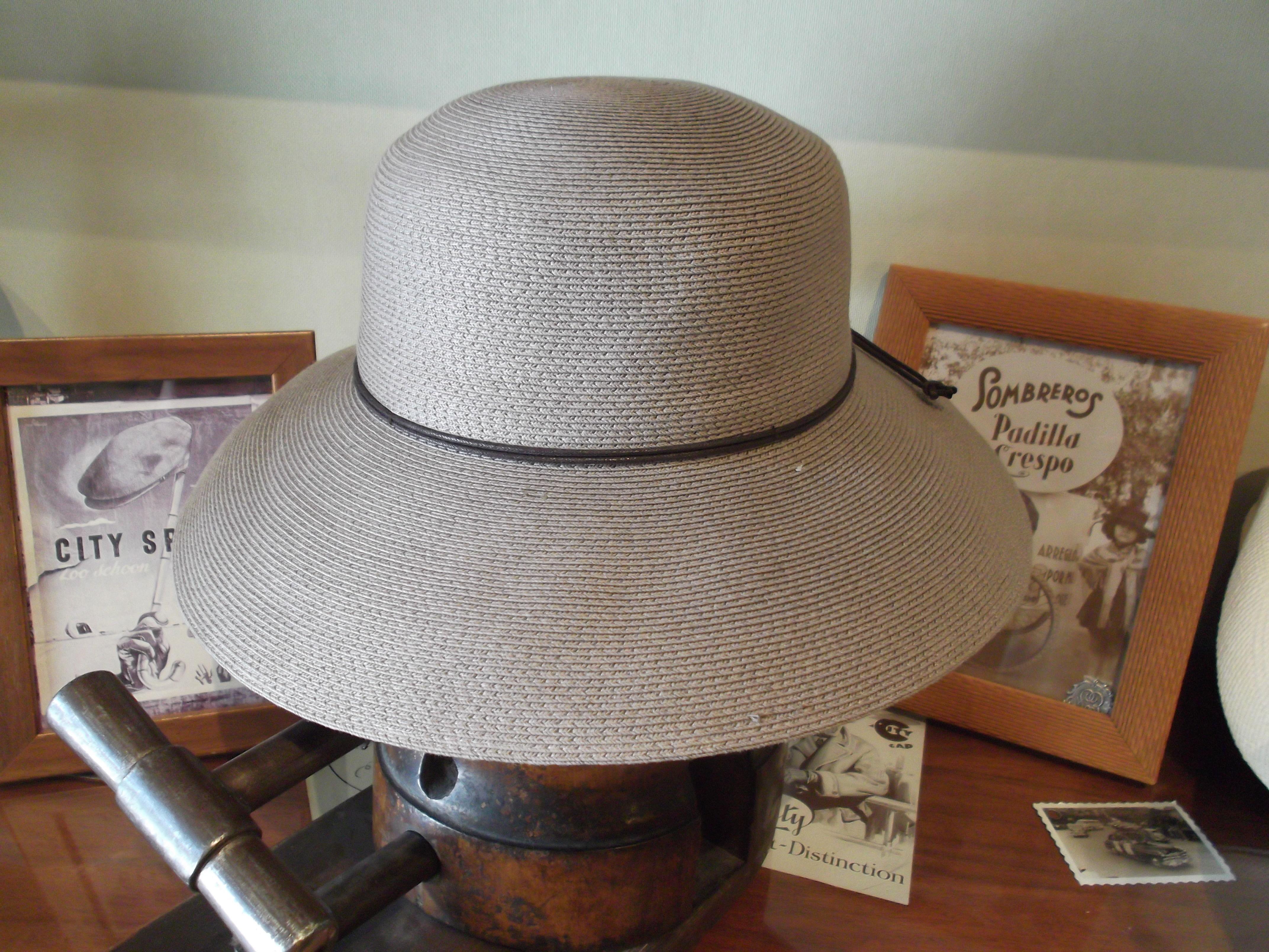PAMELA GRIS: Catálogo de Sombrerería Citysport