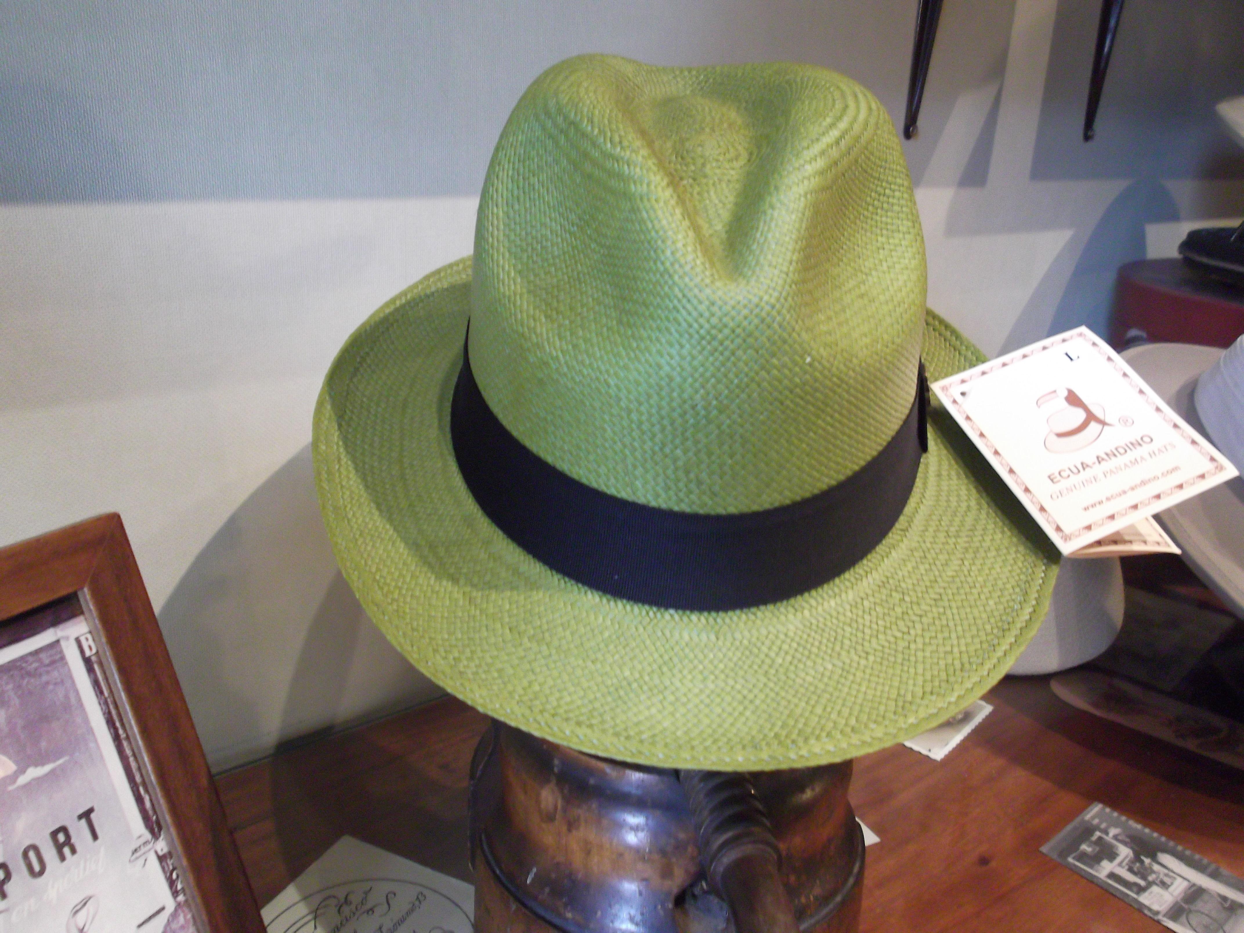 Sombrero panamá clasico. Color verde