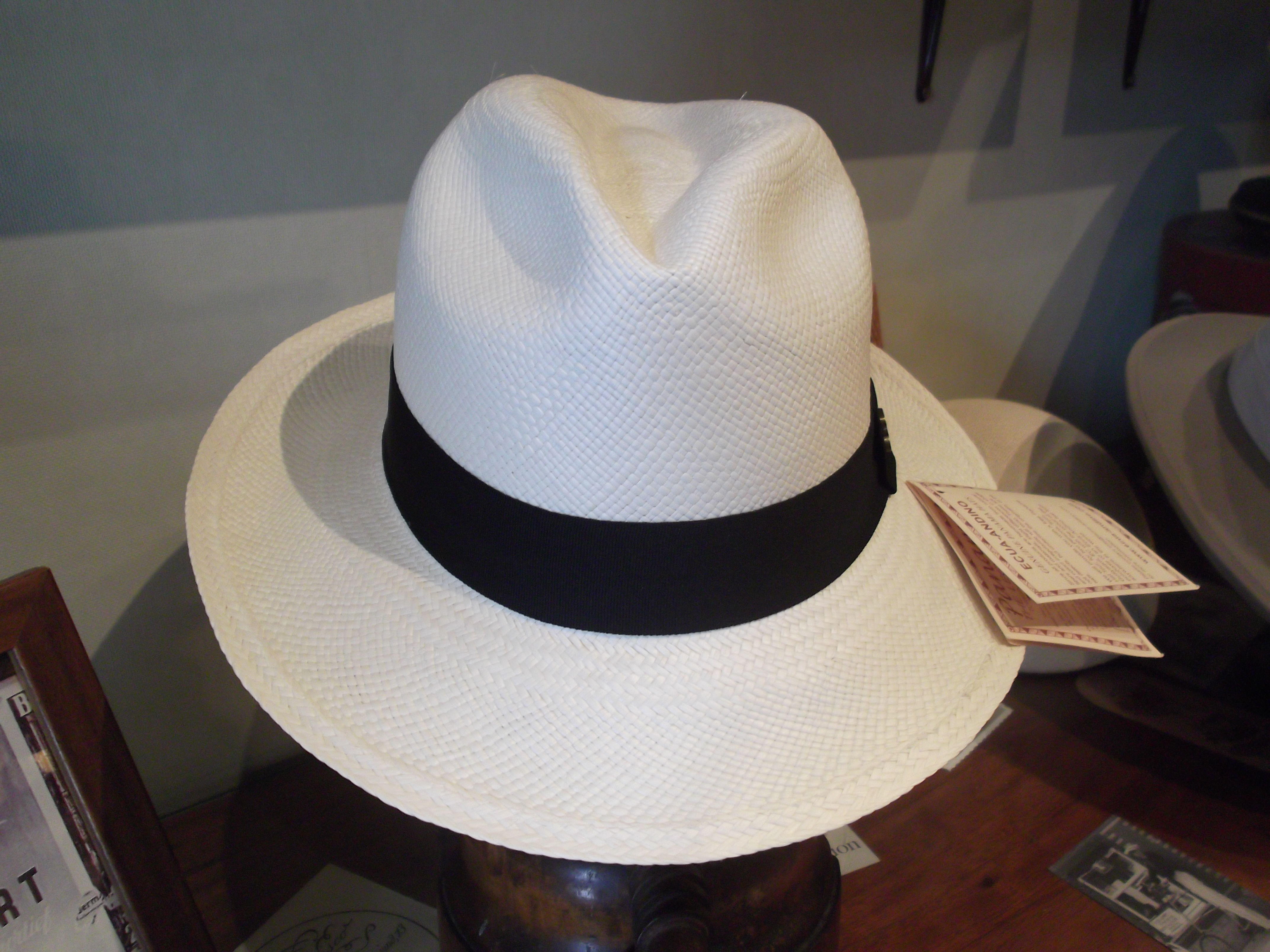 Sombrero panamá clasico.