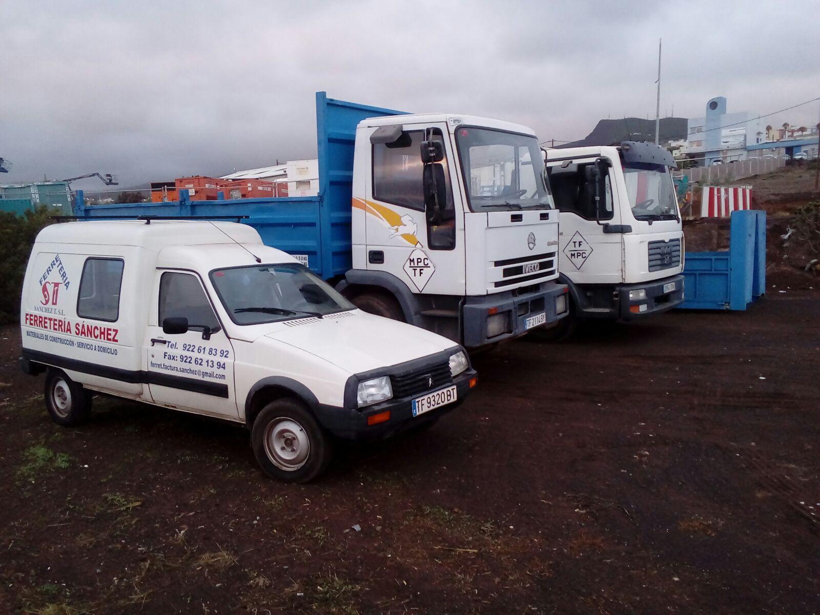 Transporte de retirada y recogida de escombros: Productos y servicios de Ferretería Sánchez