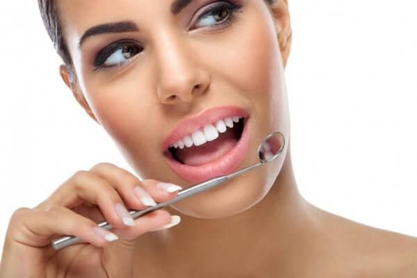 Estética dental: Tratamientos y tecnología  de Clínica Dental Los Milagros