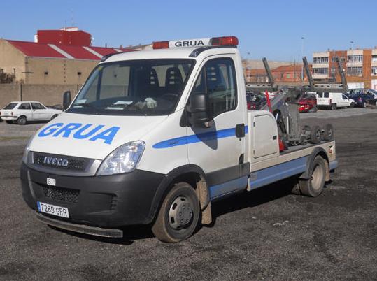 Taller de reparacion de vehiculos (carroceria mecanica electricidad y pintura)