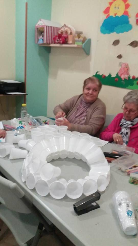 Actividades en centro de asistencia diurna en Sevilla