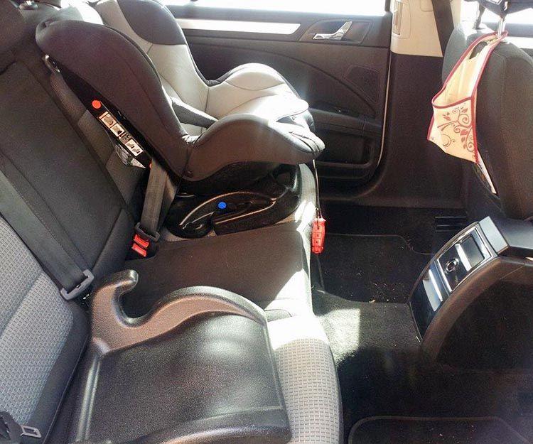 Taxi con sillas para niños en Colmenar Viejo