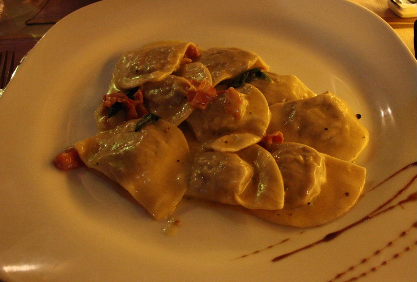 Pasta rellena: Amplia carta de Restaurante Locanda Italiana