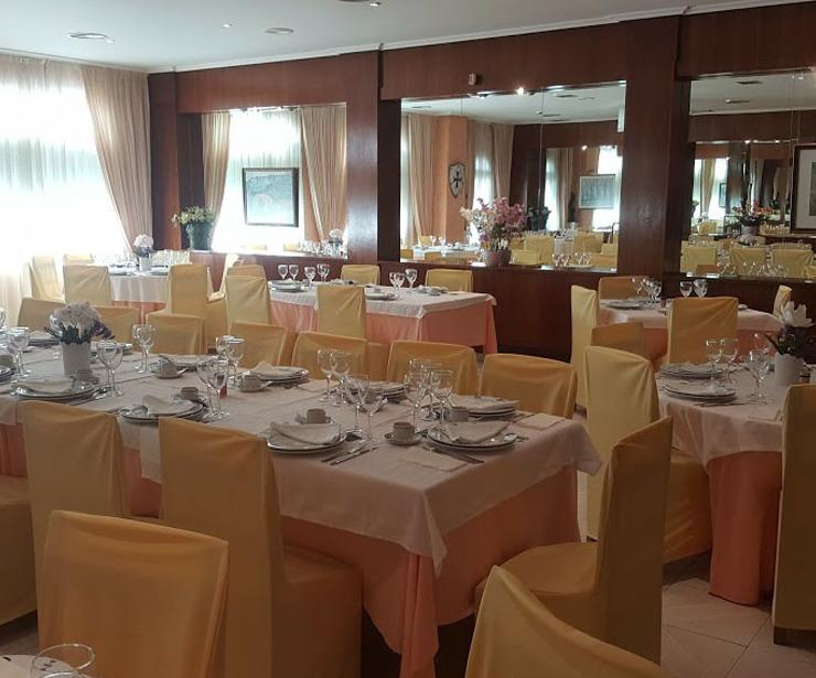 Restaurante de cocina típica en O Barco de Valdeorras, Ourense