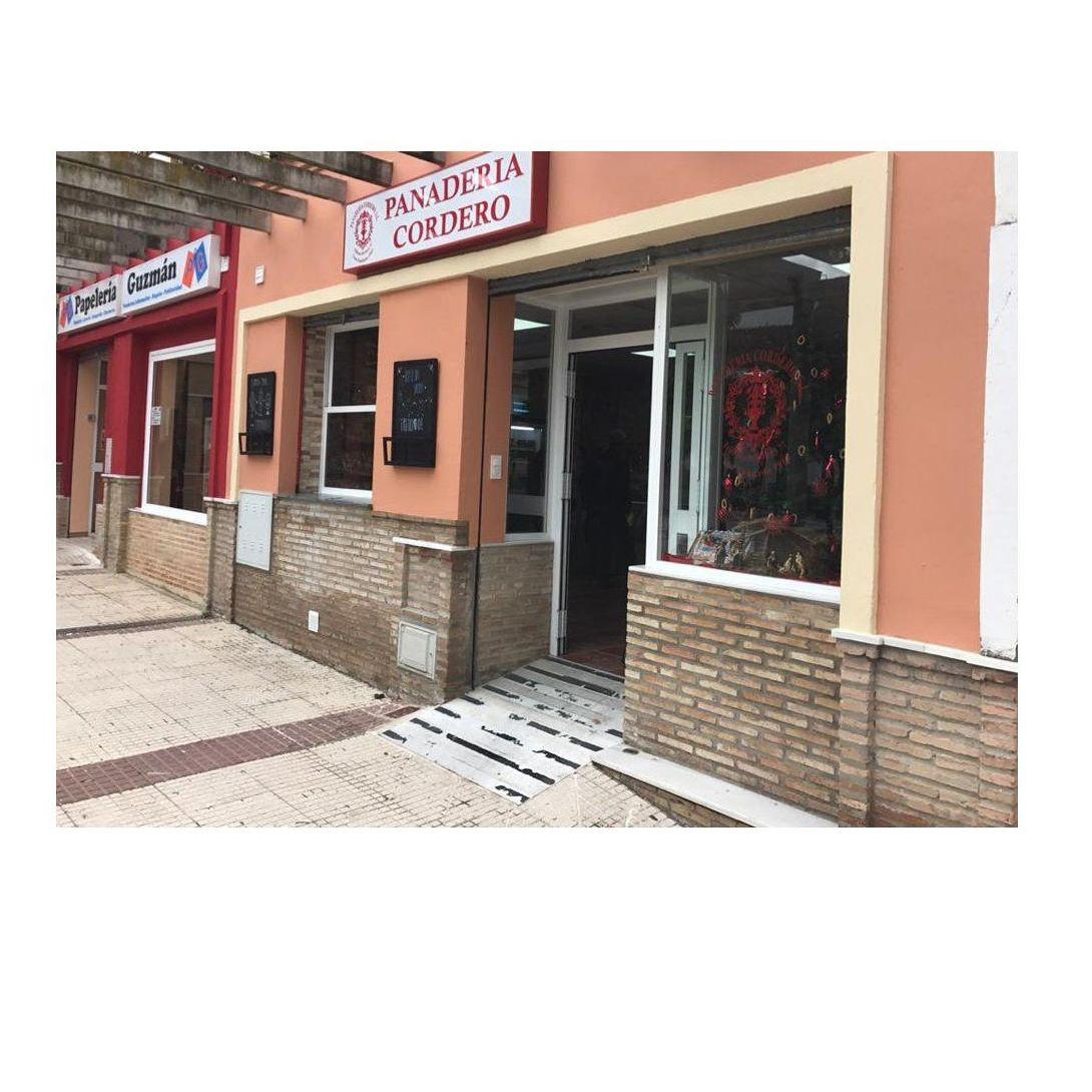 Suministros a Bares y Restaurantes: Servicios de Panadería Cordero