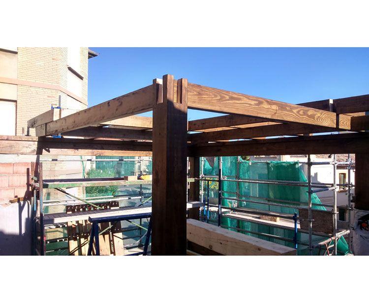 Montaje de todo tipo de estructuras en madera laminada