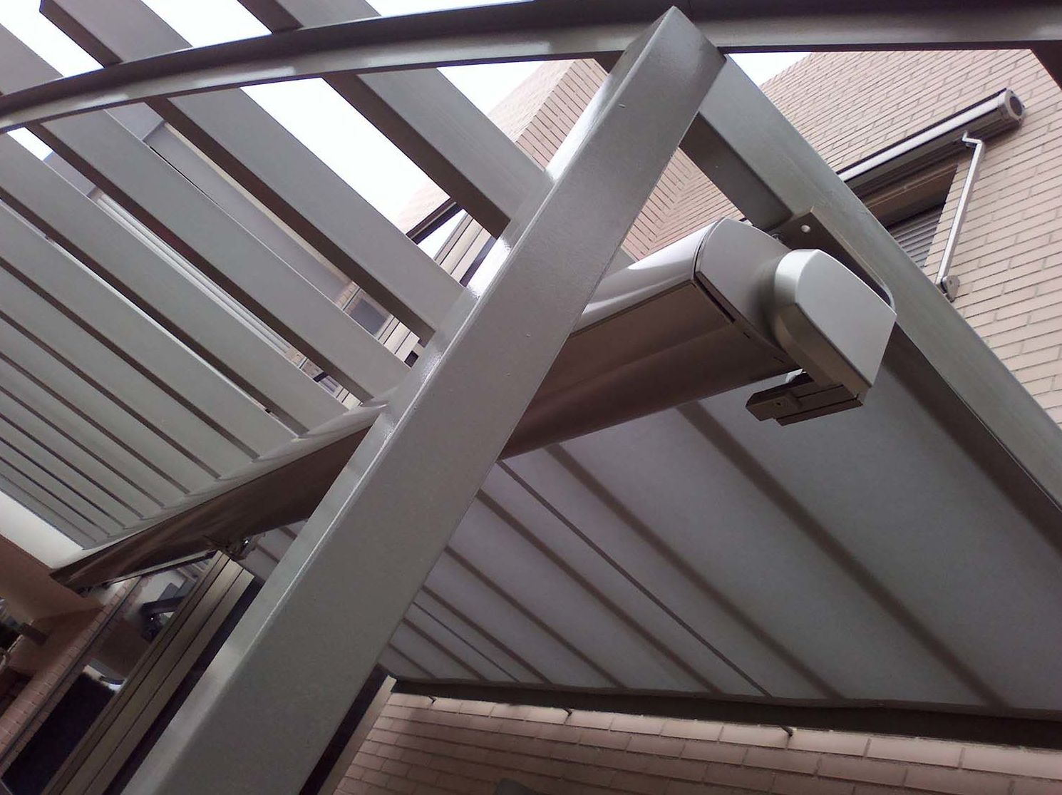 Instalación de toldo veranda