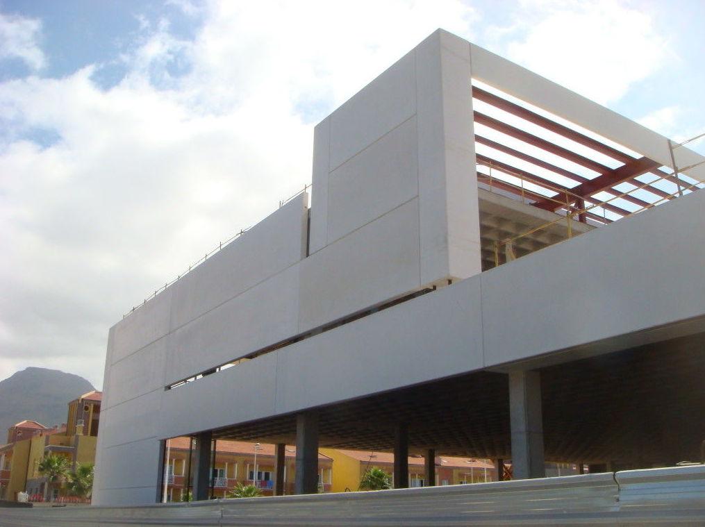 Instalación de grandes estructuras metálicas