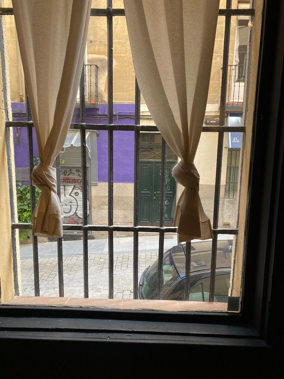 ventana fija a corredera con guillotina. Cristalería Formas.jpg