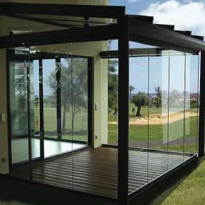Acristalamiento con cortinas de cristal para terrazas y balcones