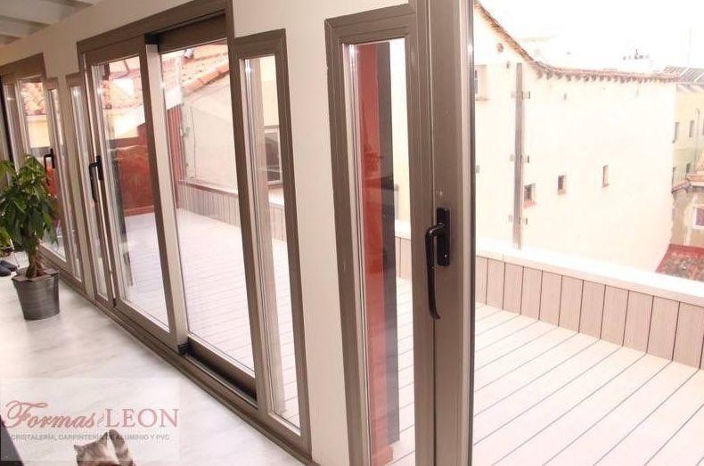 Instalación de puertas y ventanas en aluminio y PVC
