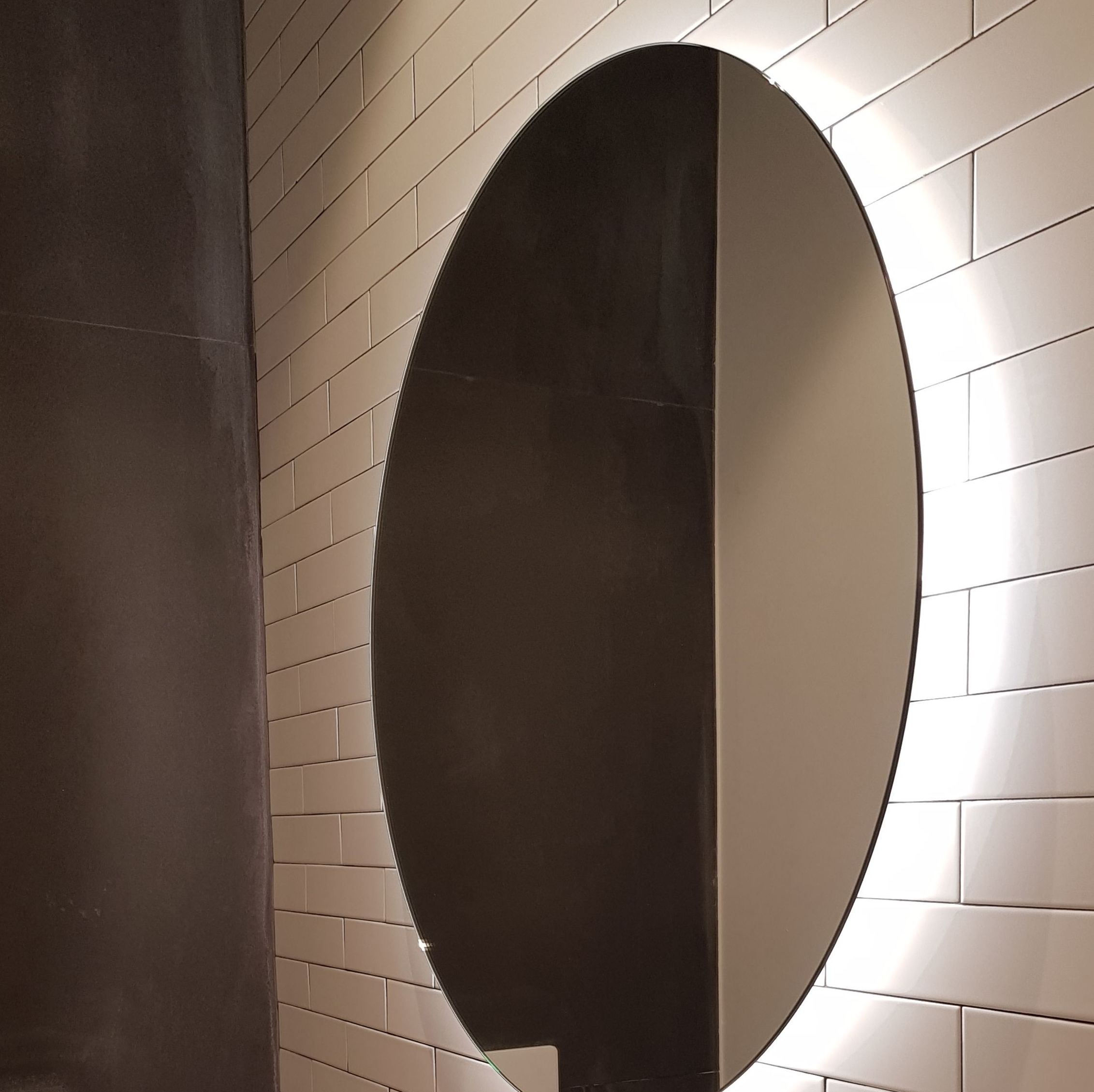 cristaleria-formas-espejo-retroiluminado