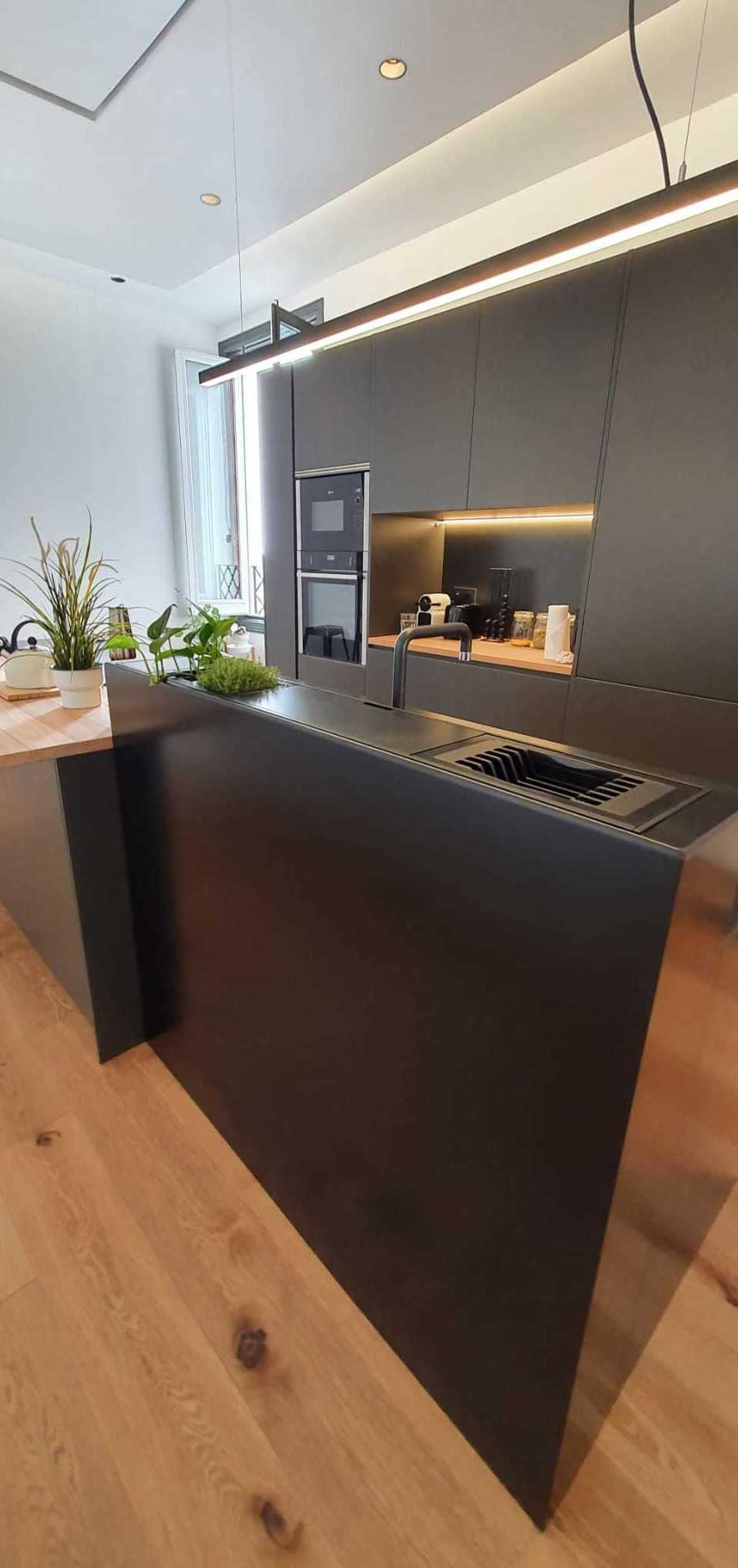 Mueble de Hierro para cocina. Cristalería Formas