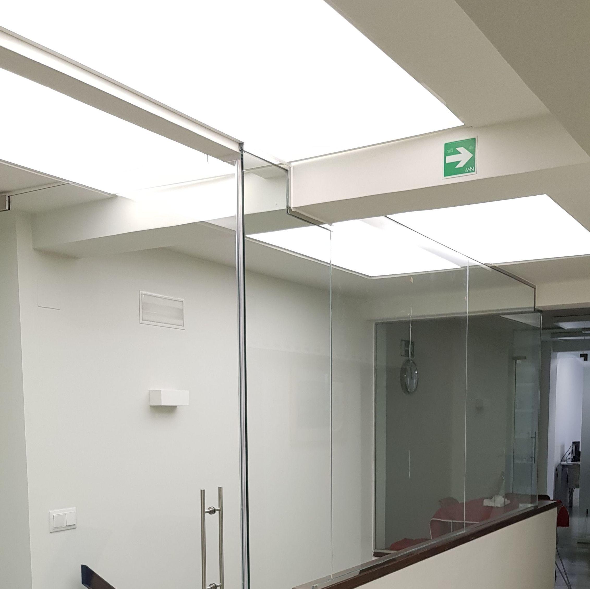 cristaleria-formas-tiro de escalera-vidrio templado