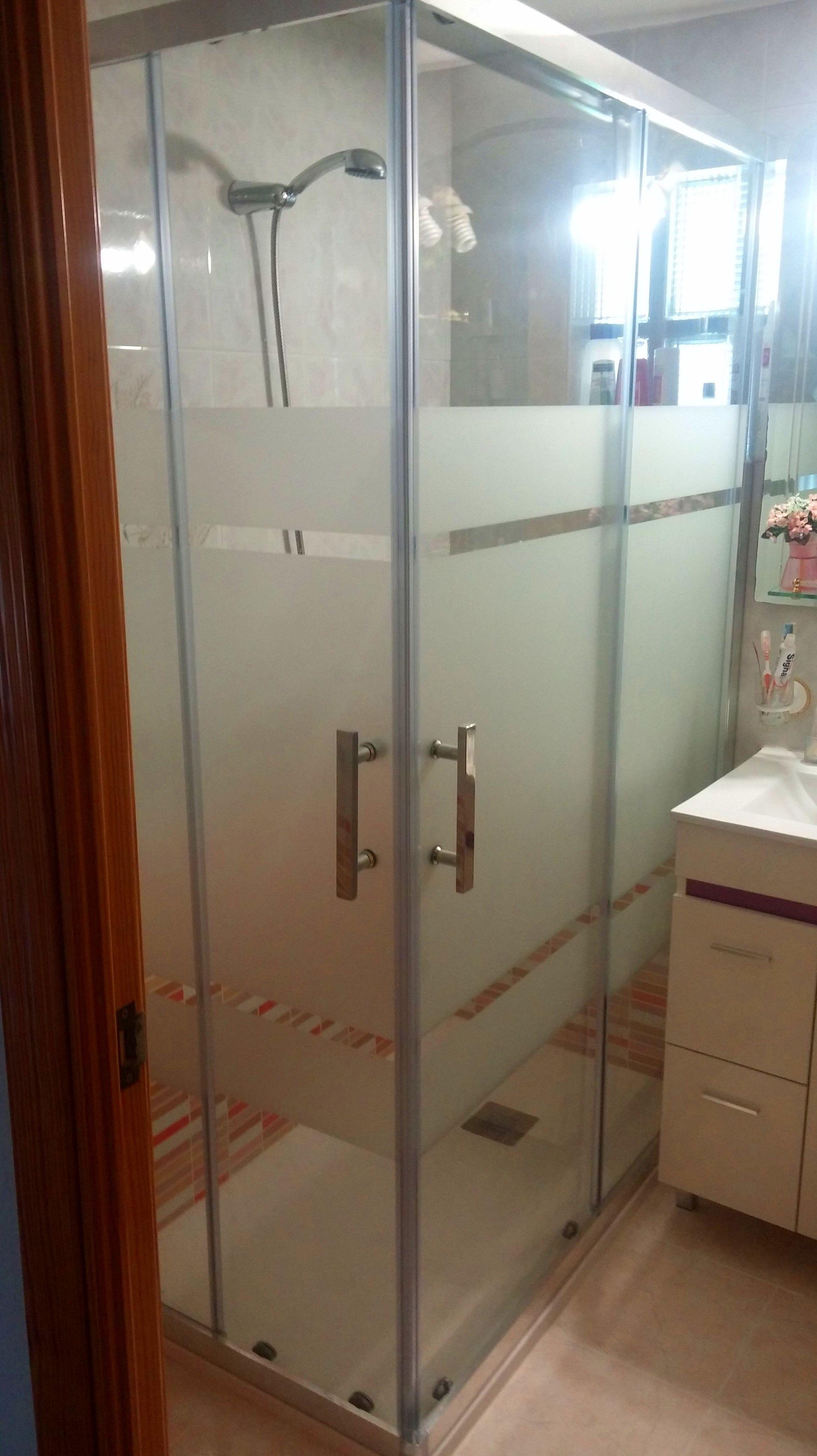 Foto 12 de Muebles de baño y cocina en Móstoles | Resyr, S. L.