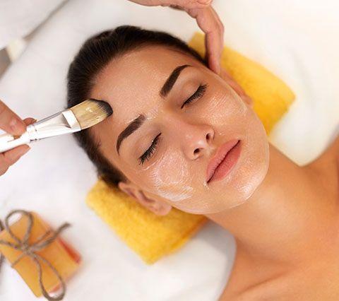 Limpieza facial: Peluquería y estética de Belleza Integral 10