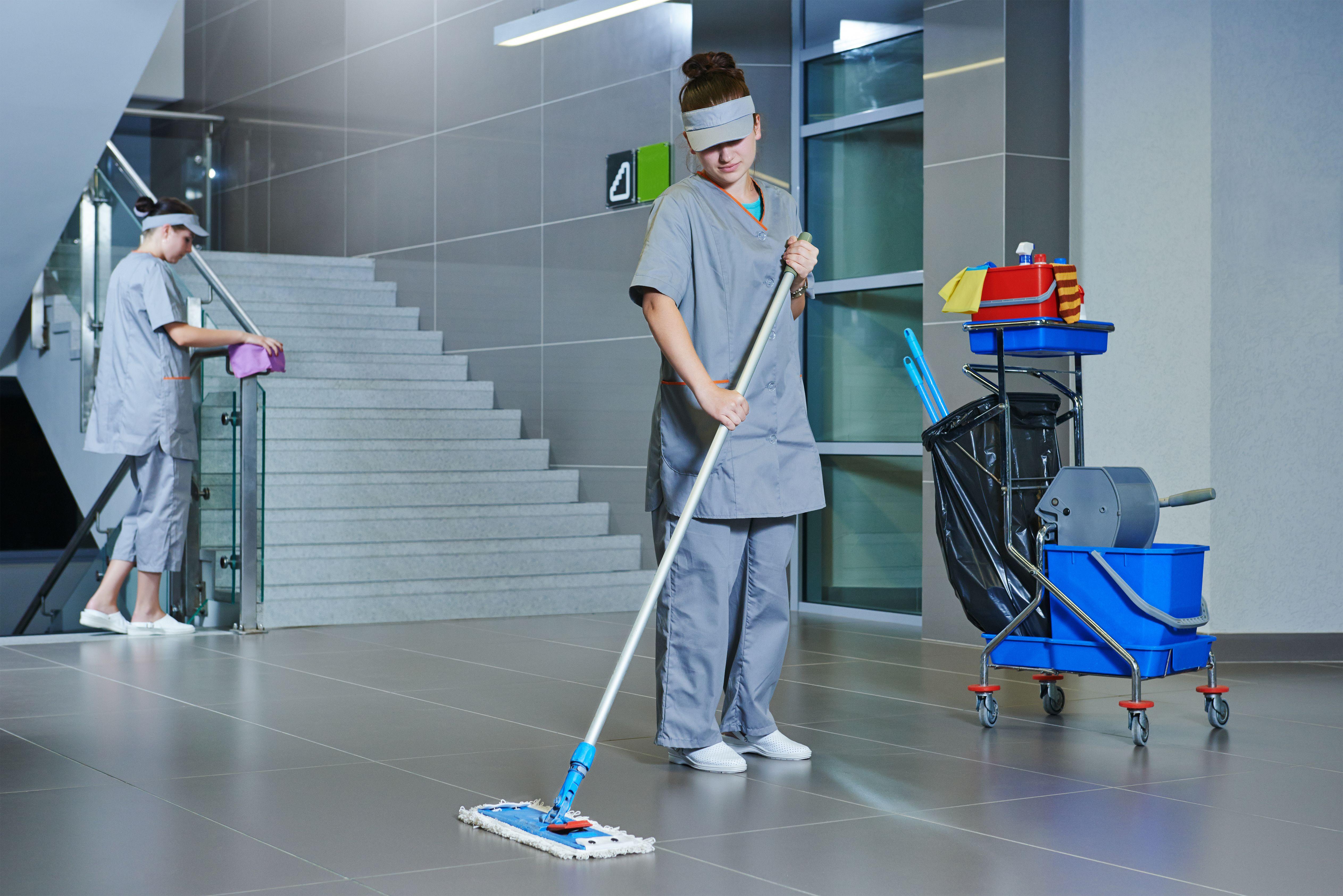 Limpieza a comunidades: Servicios de Lacer Servicios