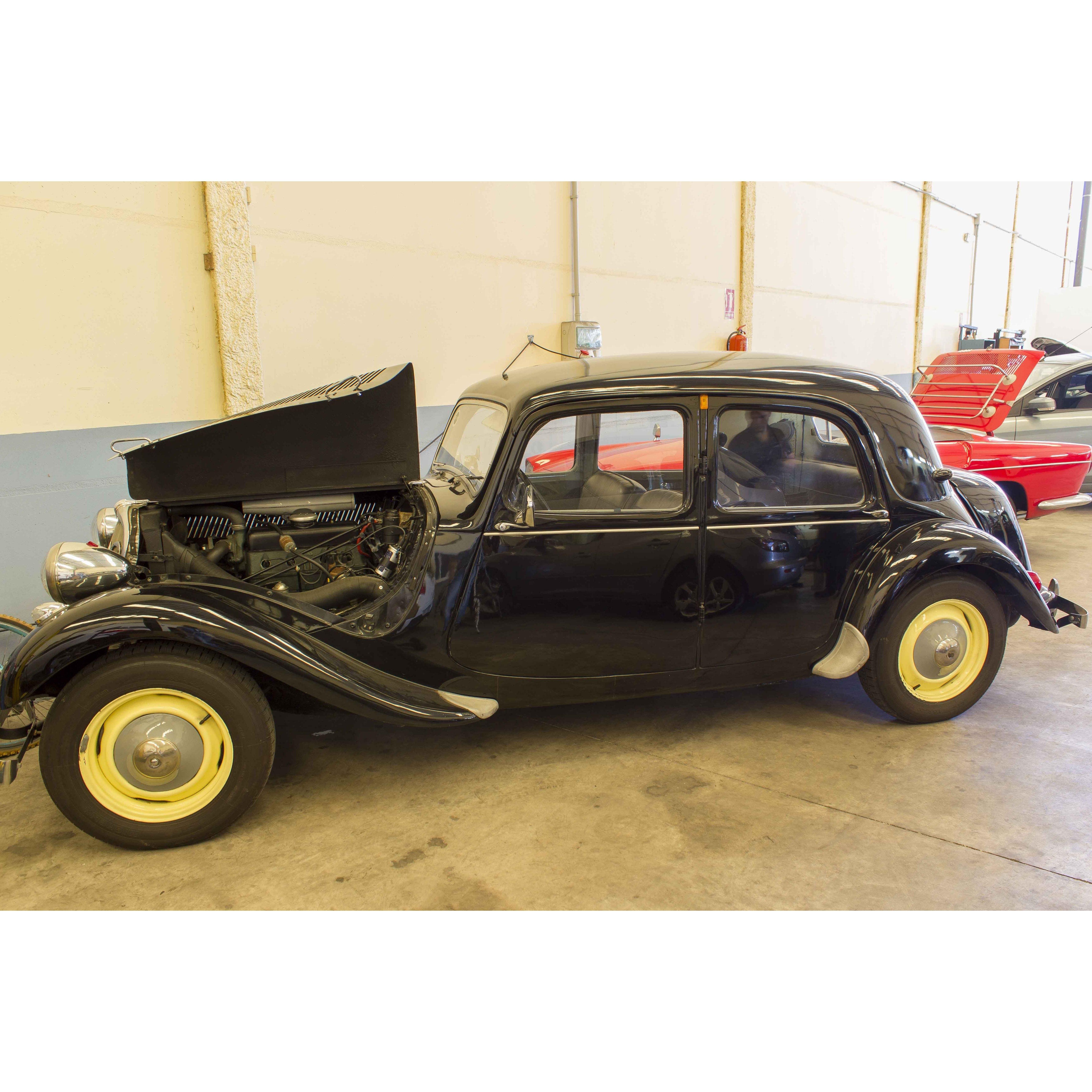 Reparaciones y restauraciones coches de época: Servicios de Talleres Pauton