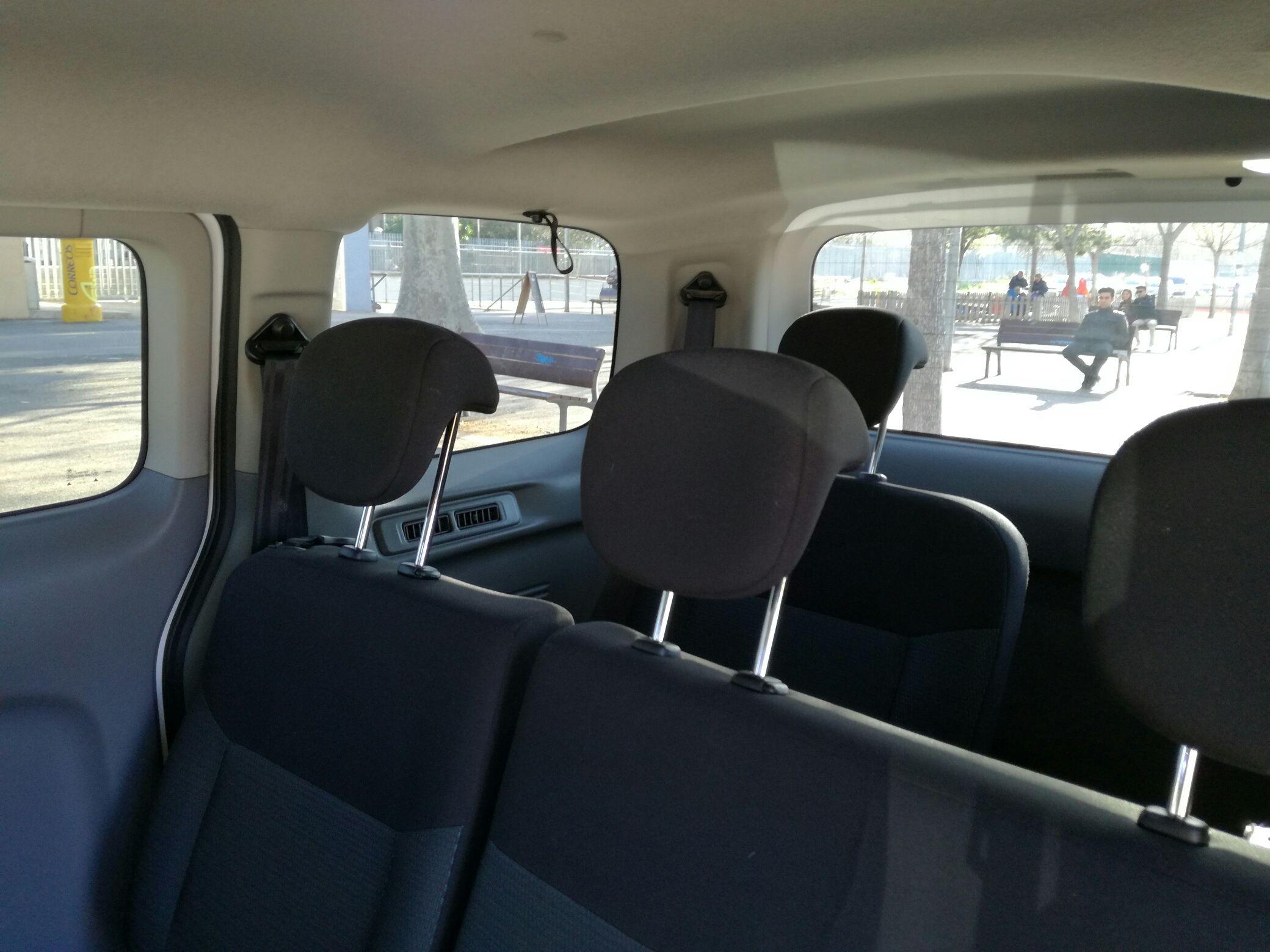 Foto 15 de Taxis en Calafell | Taxi Alonso