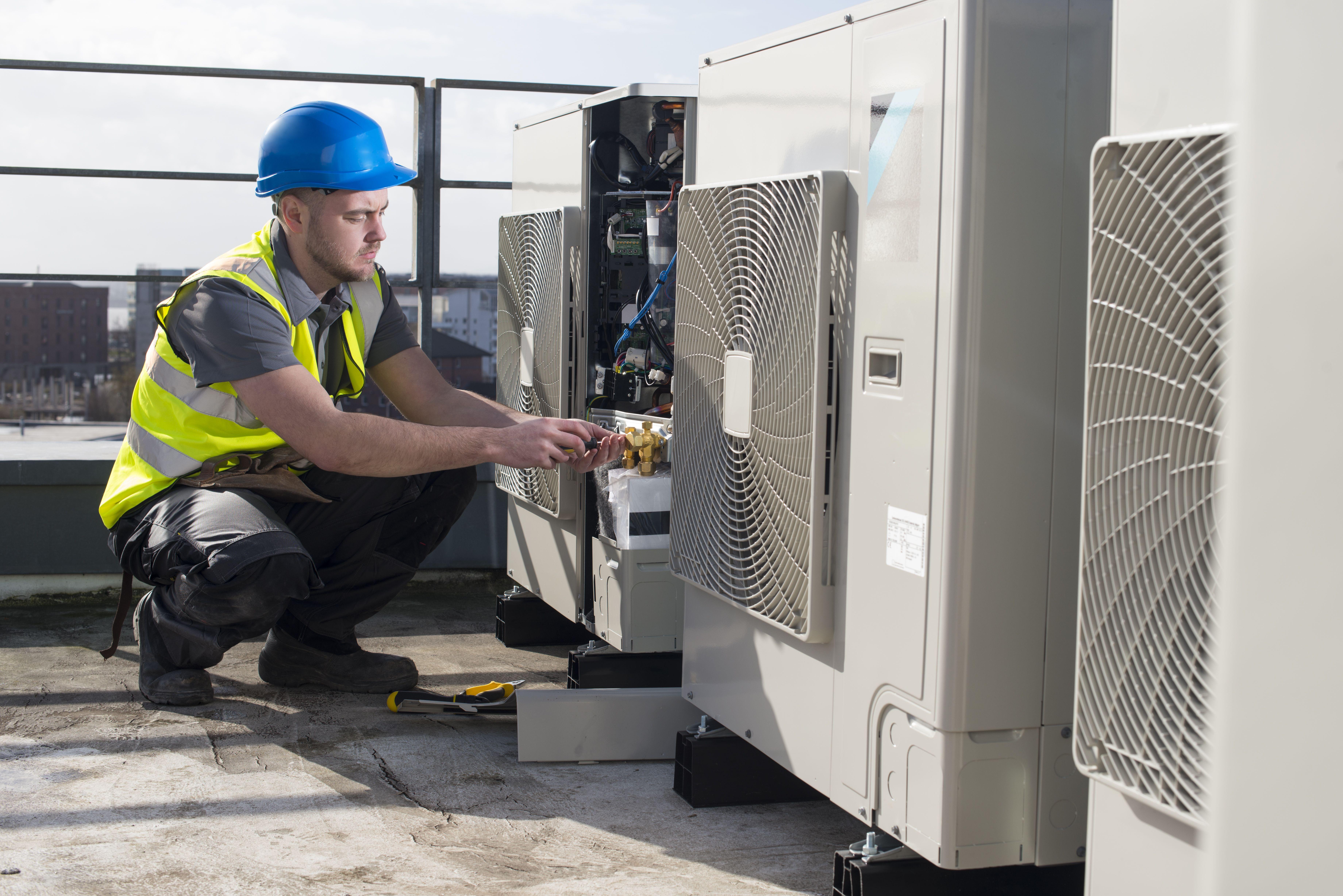 Instalación y mantenimiento de equipos de climatización industrial en Barcelona