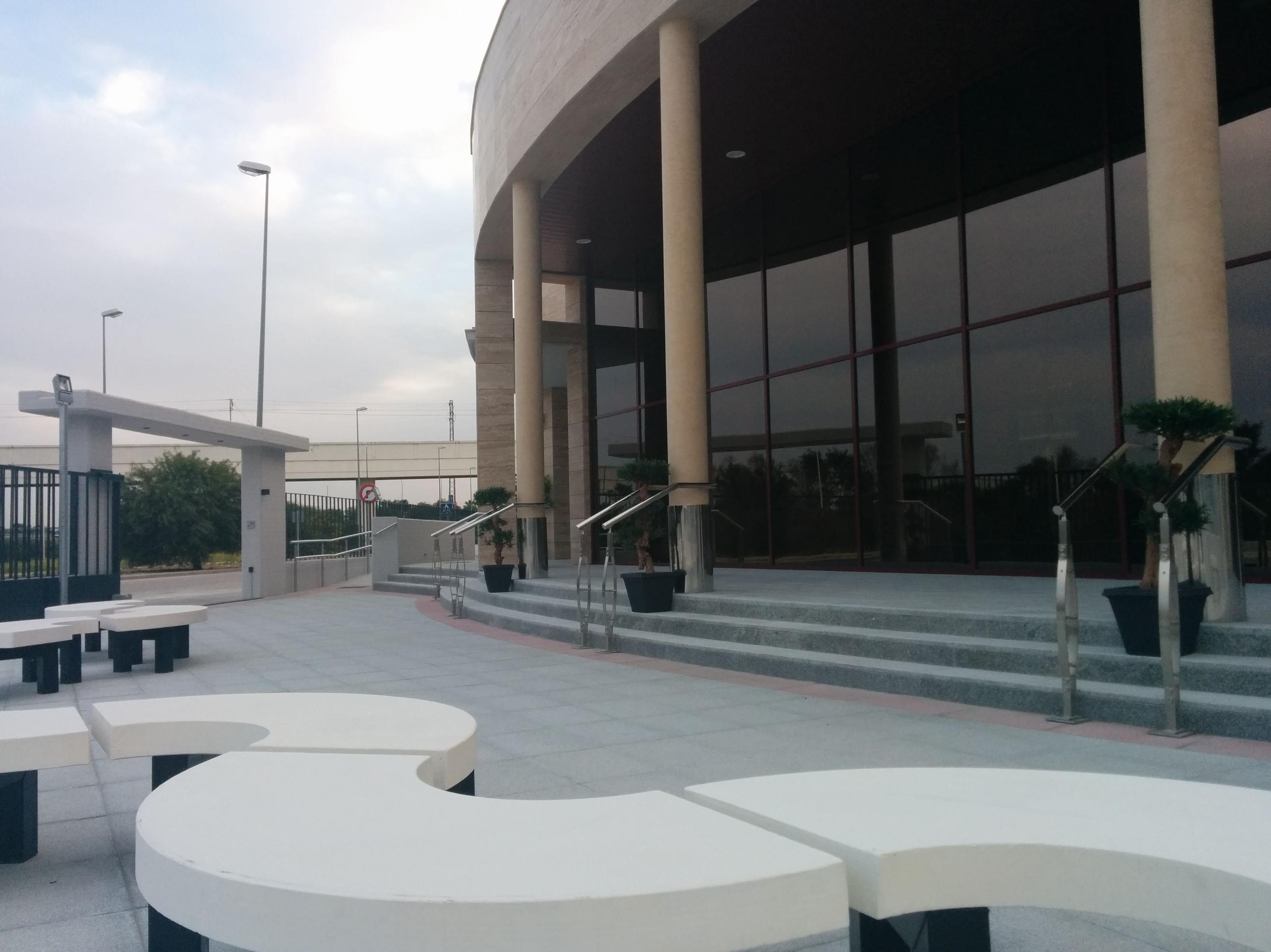 Foto 5 de Funerarias en Camas | Tanatorio Crematorio de Camas - Funeraria Los Ángeles