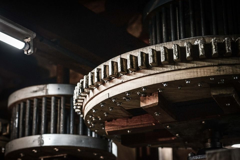 Reparación e instalación de maquinaria pesada: Servicios de Teléfono de urgencias