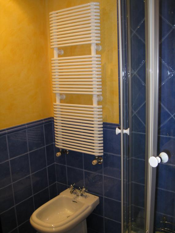 Instalación radiador-toallero