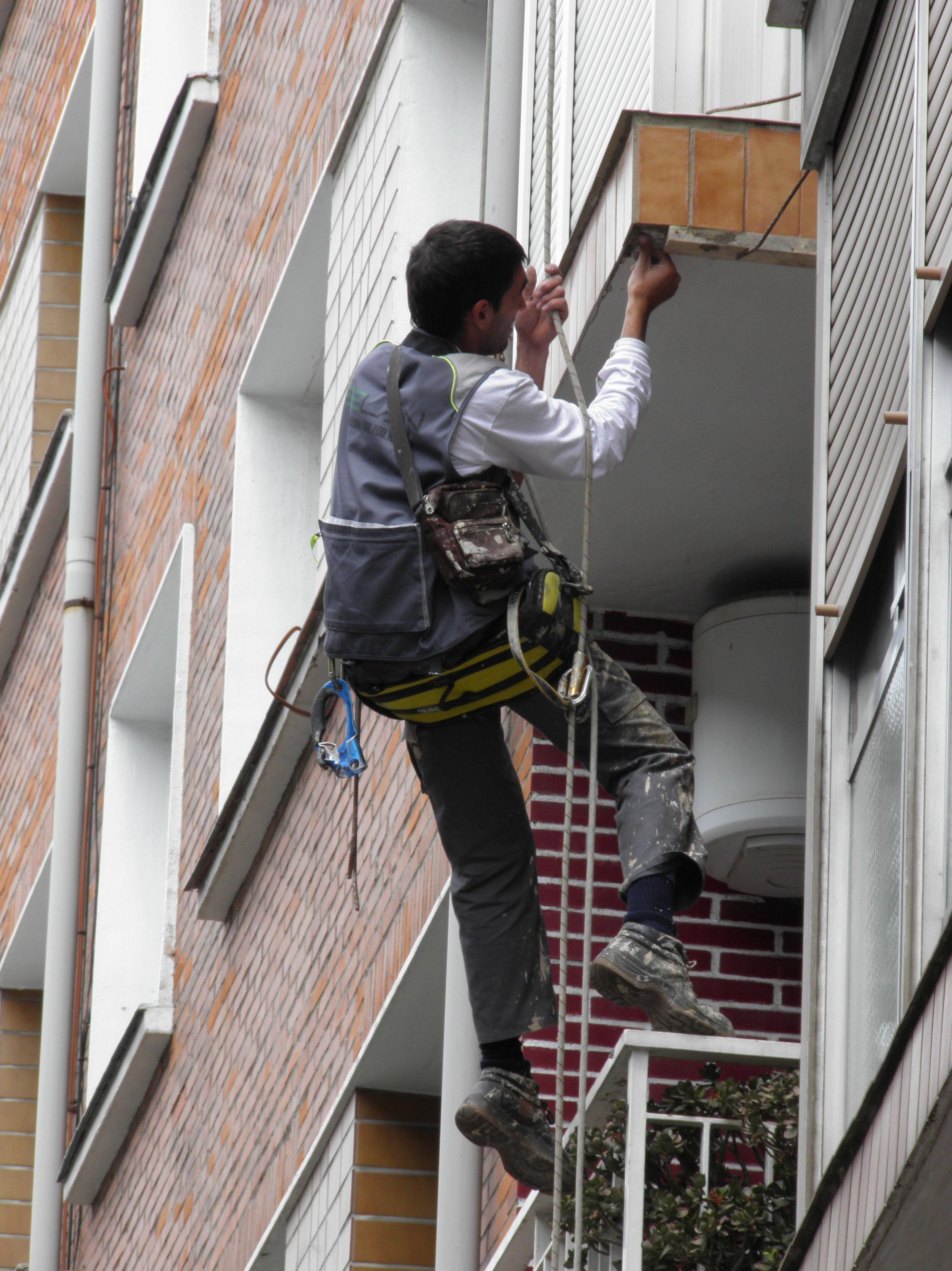 Trabajos verticales en Bilbao Selán desatascos