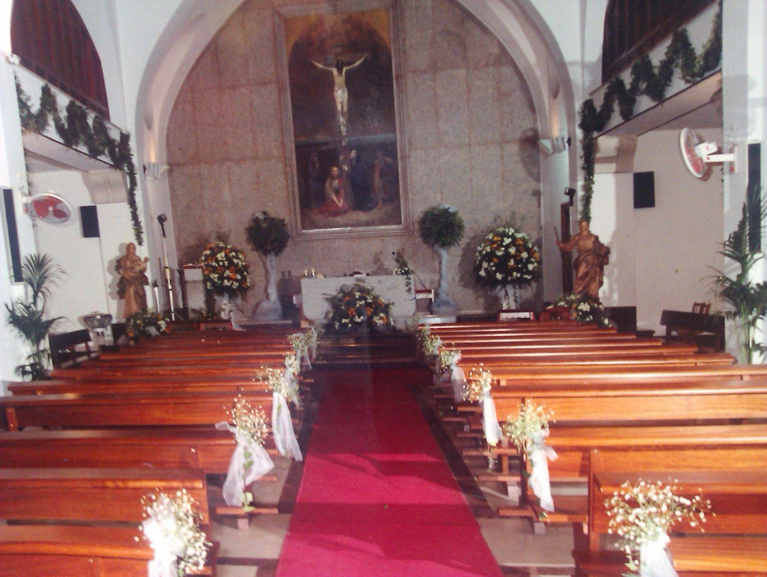 Decoración con flores en ceremonias religiosas