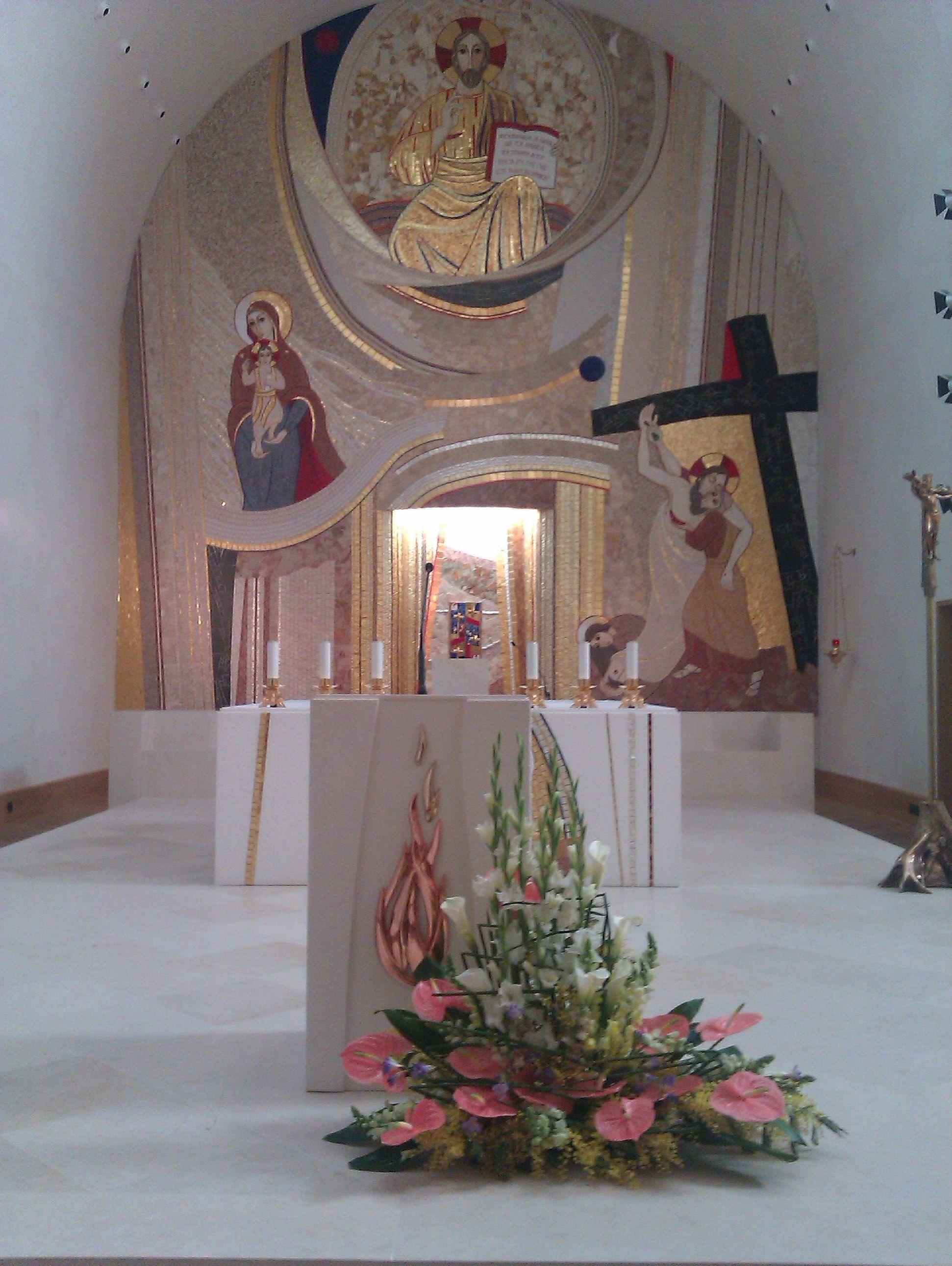 Decoración floral para ceremonias religiosas