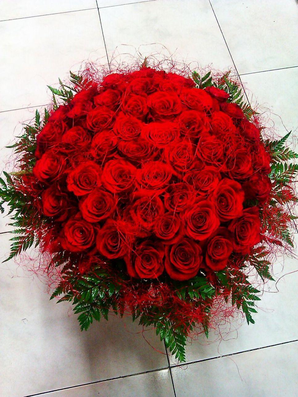 Rosas: Servicios  de Ixora Floristas
