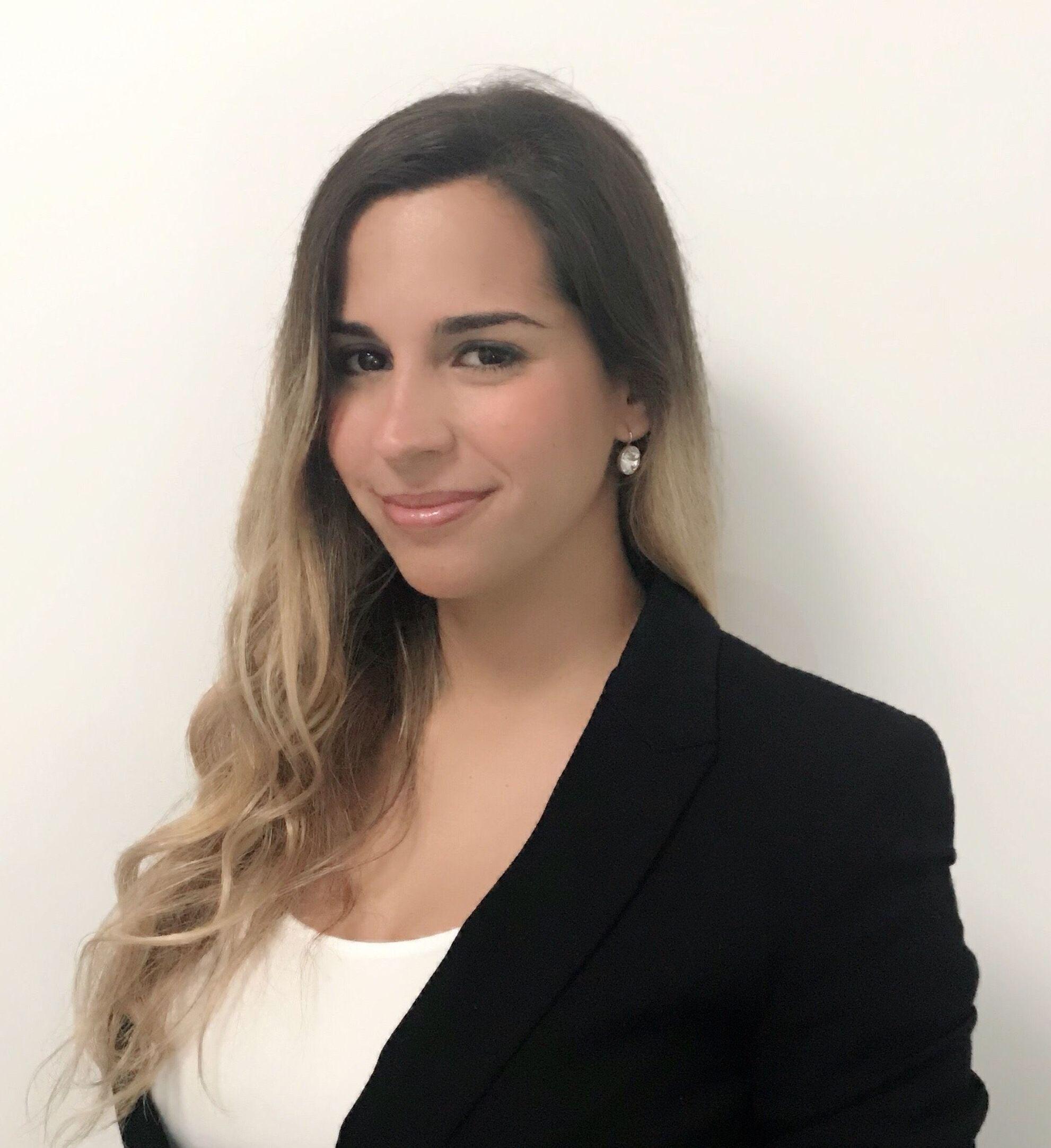 Ana Berenis Vega - Responsable de Marketing y Recepción - Clínica dental AD/AD