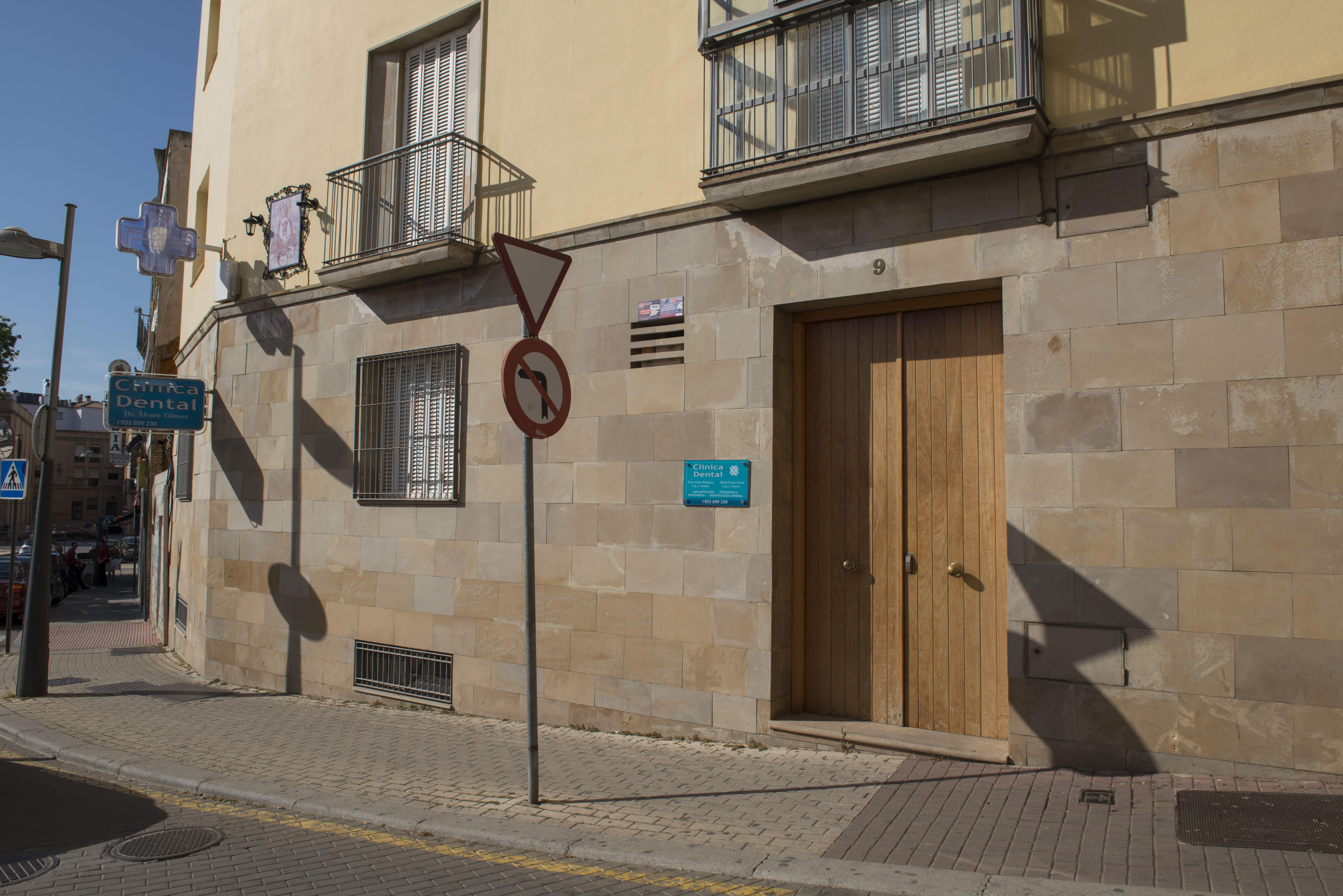 Clínica dental recomendable en Linares