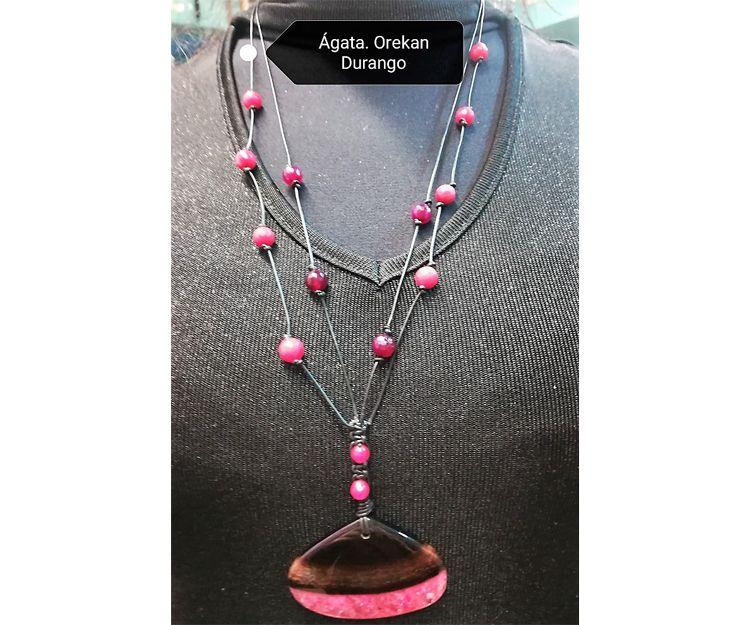 Colgante y collar de ágata rosa en Durango