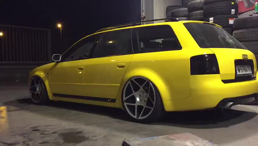 Audi S6 - Airlift Suspension }}