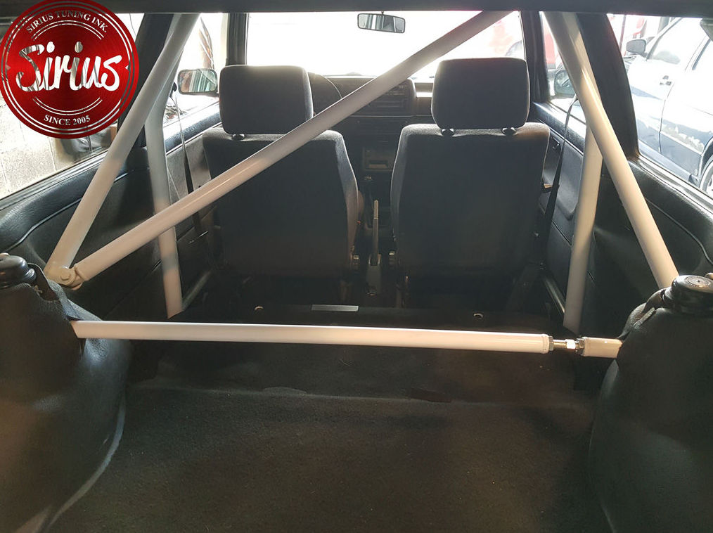 VW Golf 2 - Barra tras. e inf.